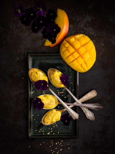 moody mango
